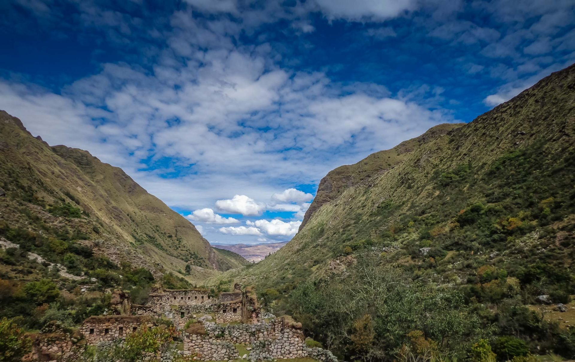 Why does Peru have the best adventure tours?