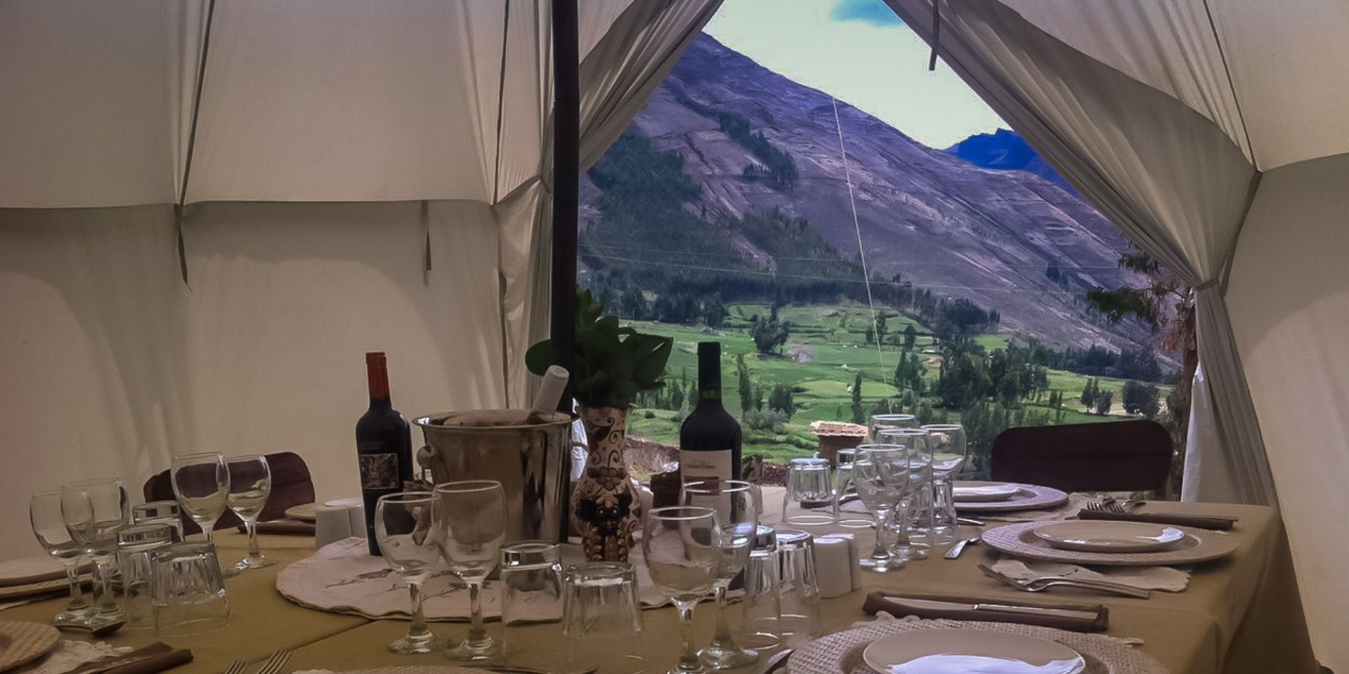 Gourmet picnic on our Peru luxury tour